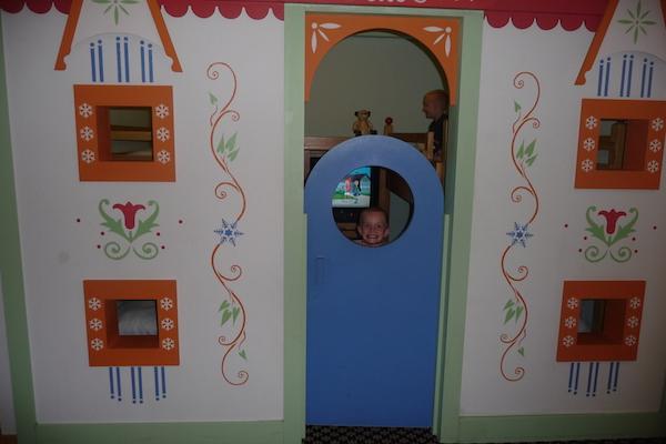 Kids chalet room.