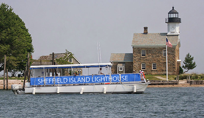 Boat to Sheffield Island